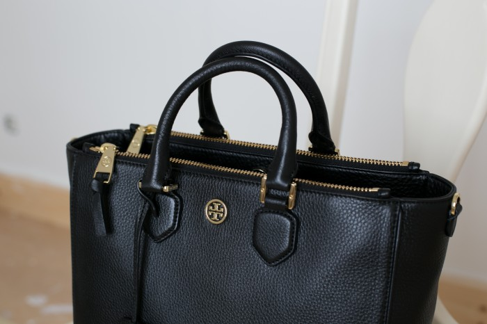 Tory Burch robinson pebbled tote