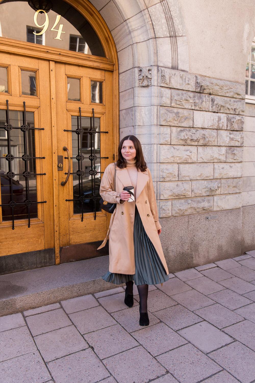 Angelica Aurell trenchcoat mode.jpg