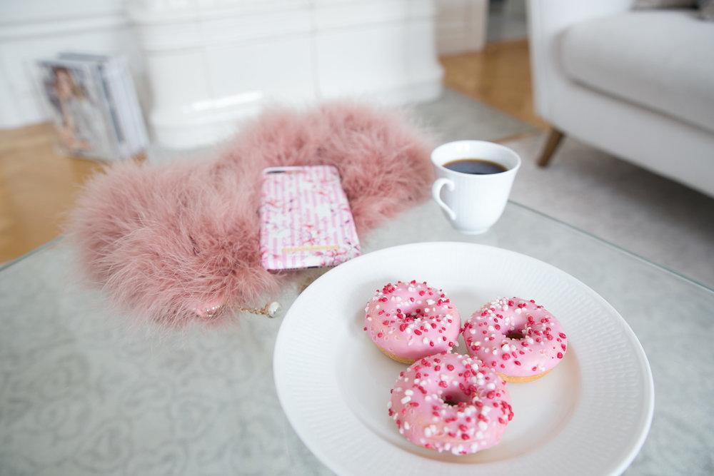kaffe donuts ideal of sweden.jpg