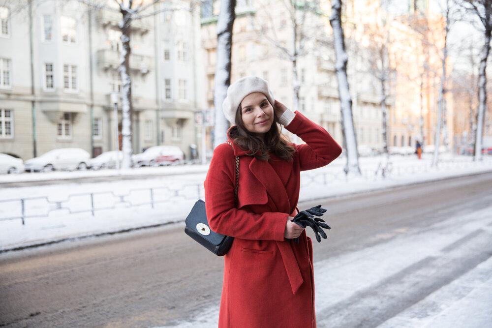 Angelica Aurell 2NDDAY kappa basker mode klassisk stil.jpg
