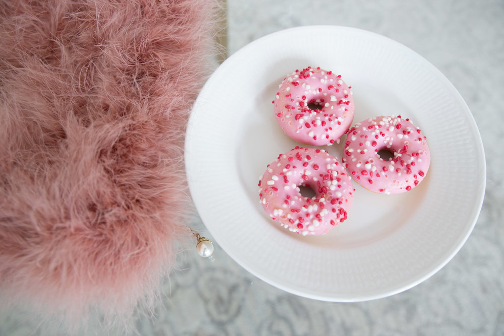 rosa donuts pellobello clutch.jpg