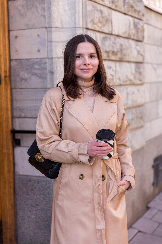 Angelica Aurell trenchcoat modeblogg.jpg