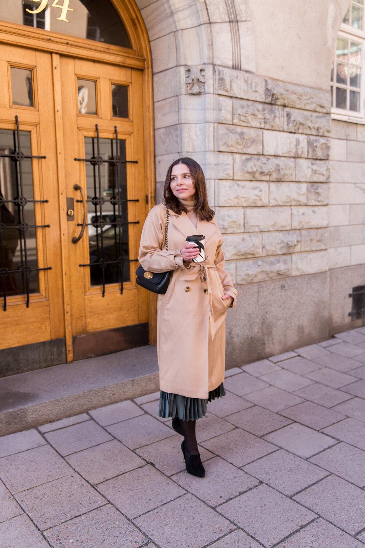 Angelica Aurell trenchcoat.jpg