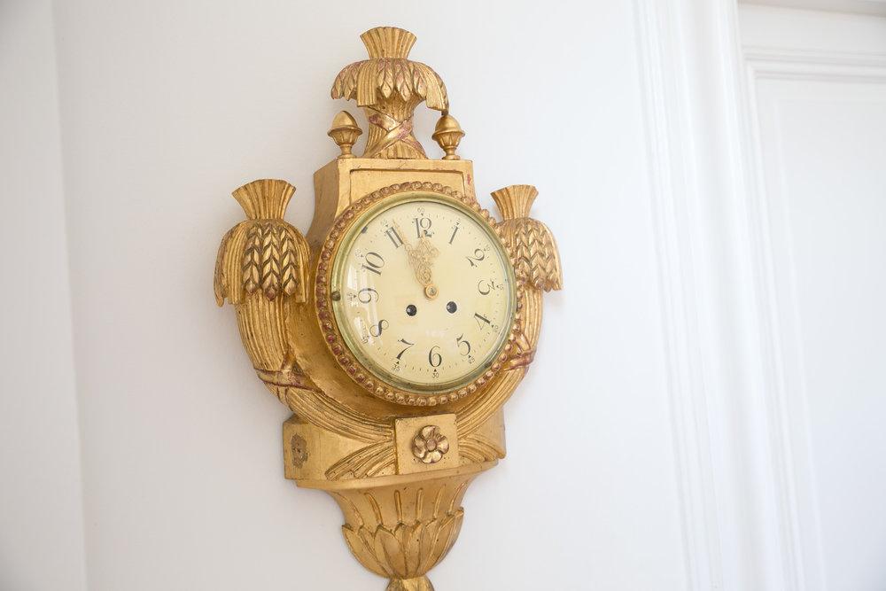 vaggklocka rokoko guld.jpg