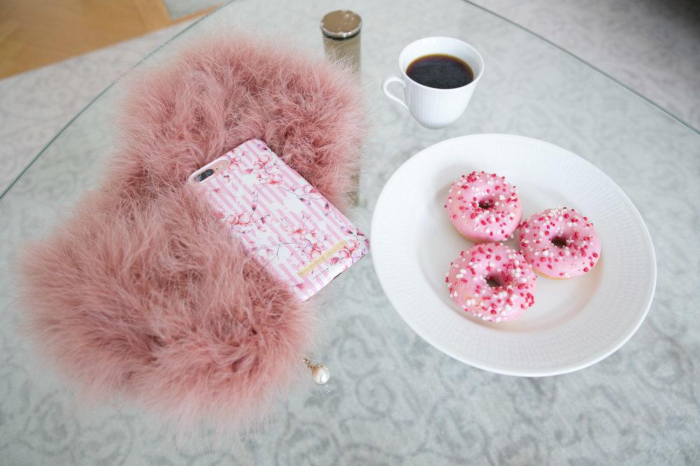 fika donuts rosa kaffe.jpg