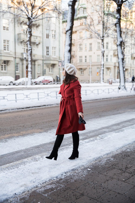 saker stil modeblogg Angelica Aurell 2NDDAY Livia kappa basker mockastovlar.jpg